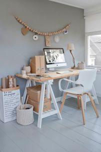 Bureau chipé sur houseofpictures.dk via Pinterest.