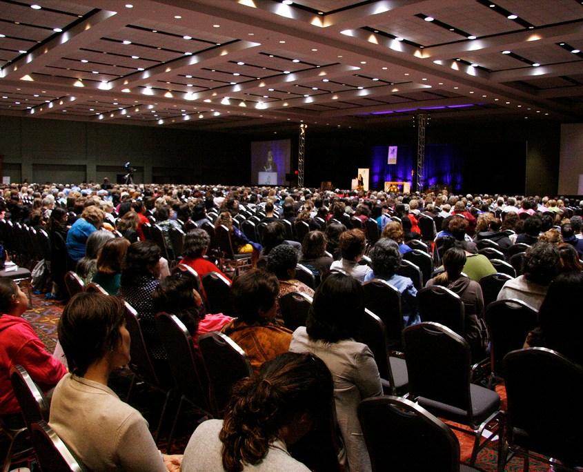 Dawn Eden speaks at the 2013 Catholic Women's Conference in San Antonio