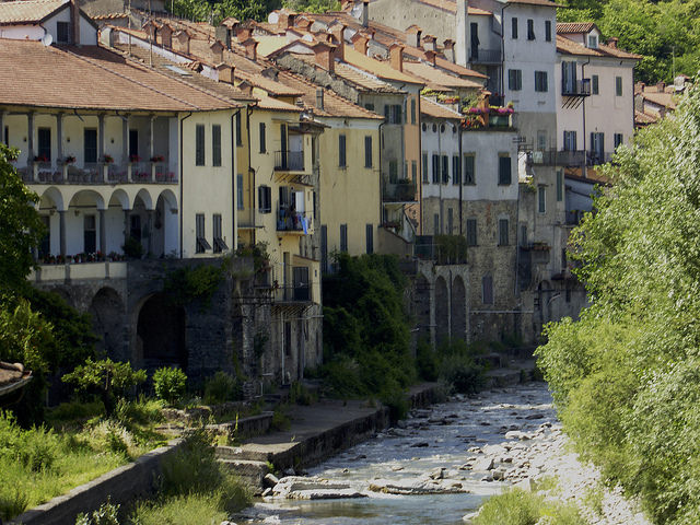 After a very long hot descent Pontremoli was a welcome sight