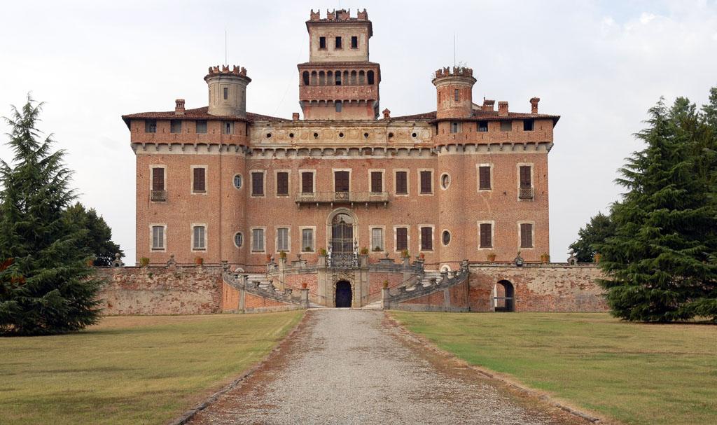 Chignolo Po castle