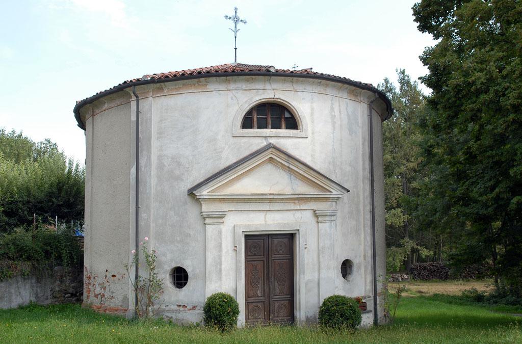 Chapel before Azeglio
