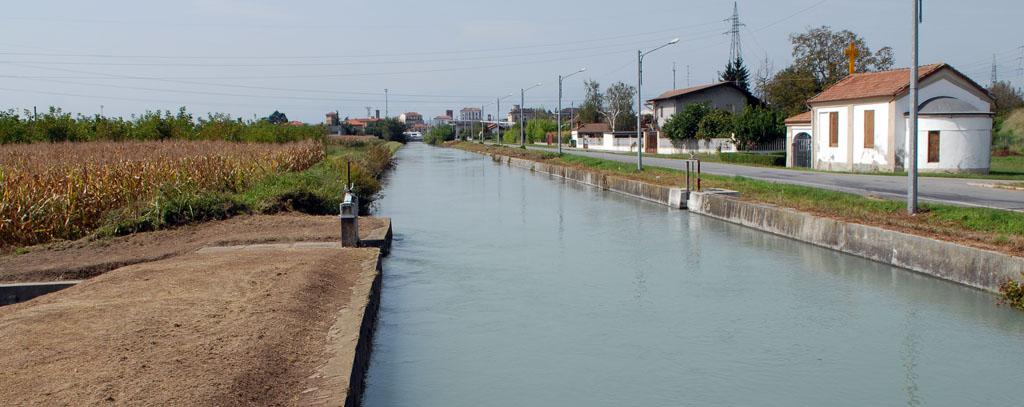 Canal Cavour nr Capella San Rocco