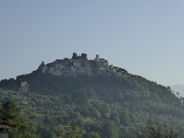 Hilltop village in the Appenines (believed to be Ponzano Superiore)
