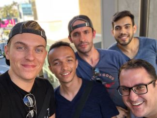 De gauche à droite : Moi-même, Hedi, Jonathan, Rui et Vitor !