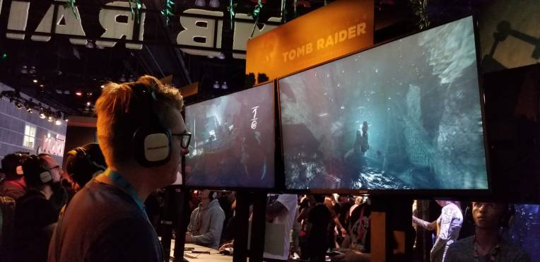 """Encore moi, jouant à """"Shadow of the Tomb Raider""""..."""