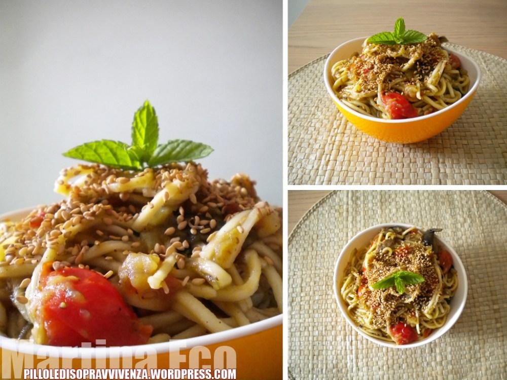 Noodles con salsiccia e verdure
