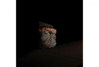 Untitled (blanket/ from the series 'Opposite') | 2010 | Lambda Print on Aludibond | 35 x 35 cm | © VG Bild-Kunst