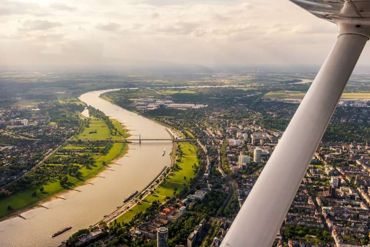 Flight Sharing Tested – Flying Over Düsseldorf And Cologne With Wingly!