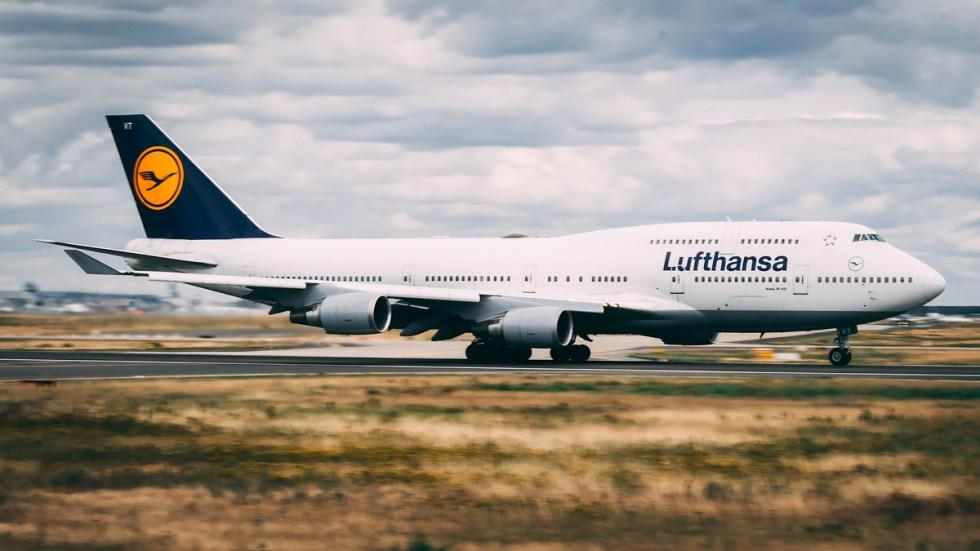 V speeds: A Boeing 747 near V1