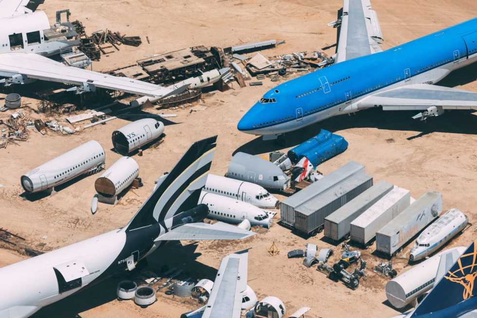 Mojave Air and space port with an aerial overview on the stored and scrapped airplanes, such as the KLM 747 and a former US airways A320