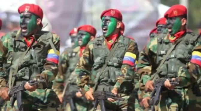 """Militariza gobierno de Maduro Venezuela mientras aumenta la """"brutal represión""""."""