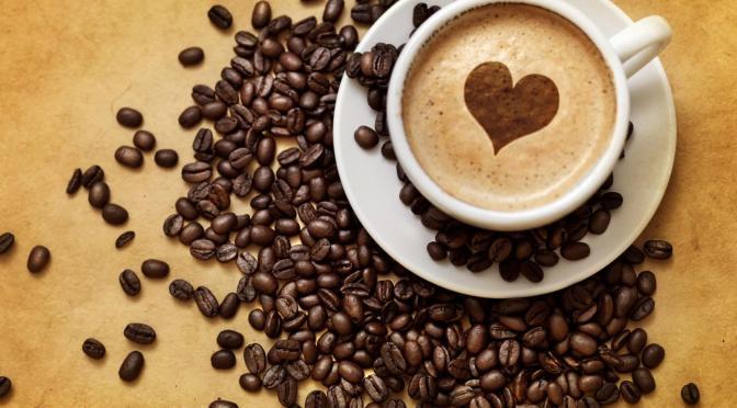 Café, bebida estimulante para despertar por las mañanas
