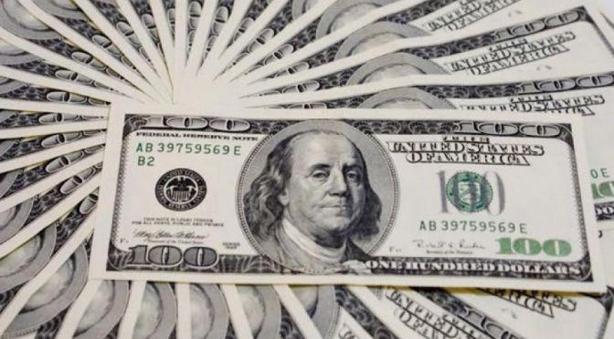 Dólar promedia en 19.35 pesos a la venta en el aeropuerto capitalino