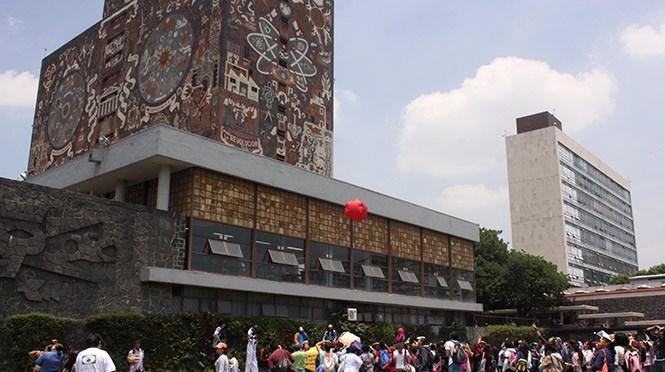 UNAM suspende a 3 vigilantes que no actuaron ante agresión a estudiante