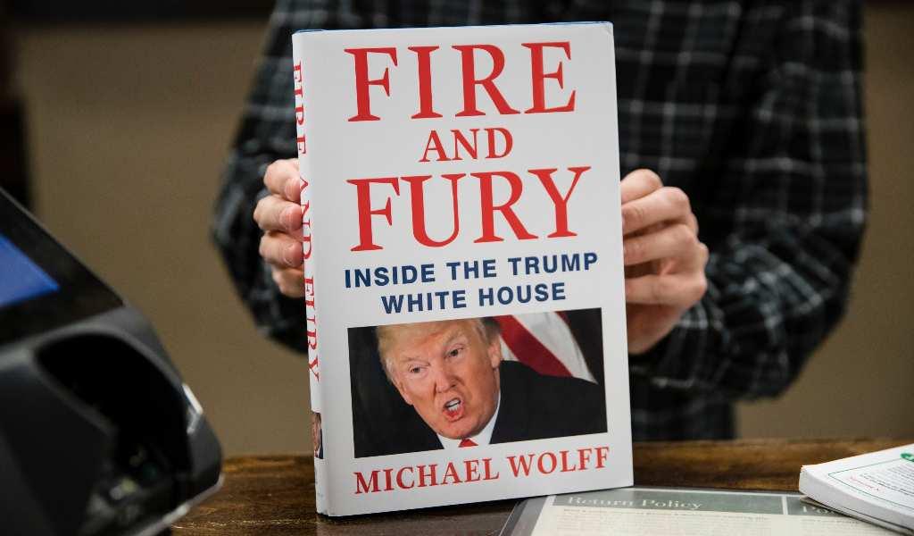 """Mexicanos podrán leer """"Fuego y furia, libro sobre Trump, en febrero"""