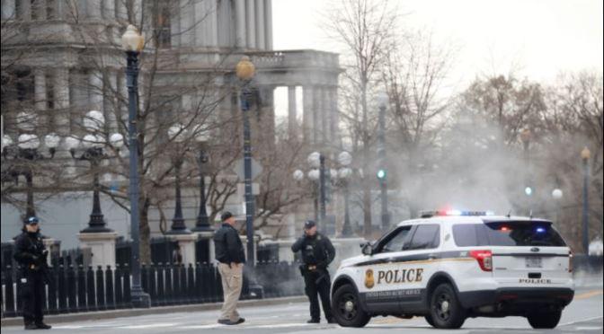 Vehículo embistió barrera en punto de acceso a la Casa Blanca
