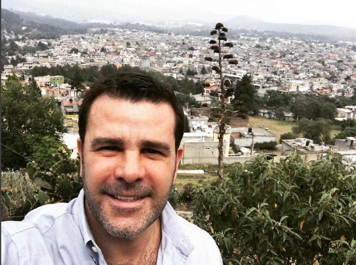 Eduardo Capetillo se lanza por la alcaldía de Ocoyoacac con el PRI