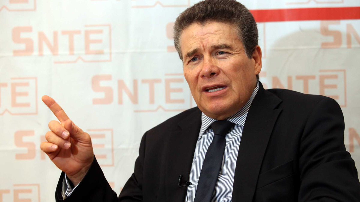 SNTE elige a Juan Díaz como presidente y avala cambios en estatutos