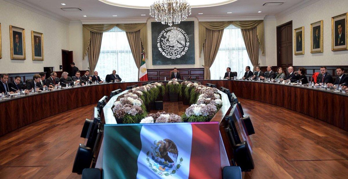 Peña Nieto y gabinete evalúan cumplimiento de compromisos