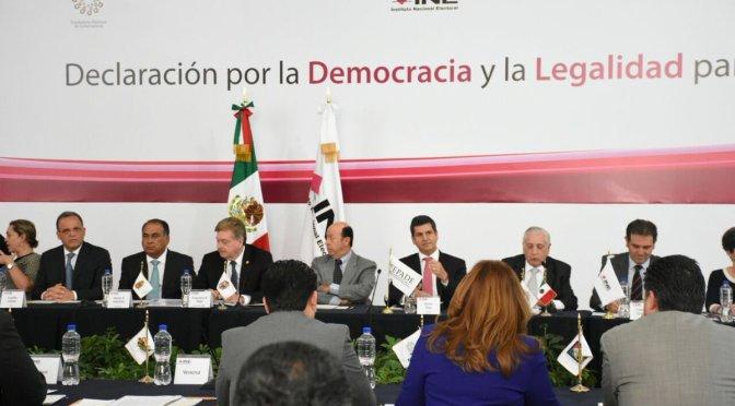 Conago e INEfirman declaratoria por la democracia