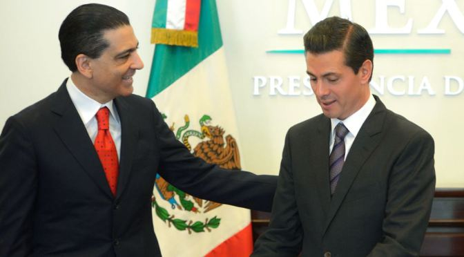 Peña Nieto recibe a primer inversionista de mercado bursátil educativo