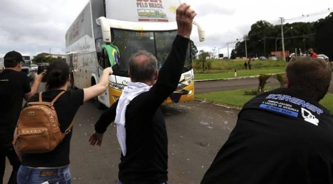 """Denuncian """"emboscada"""" contra caravana electoral de Lula en sur de Brasil"""