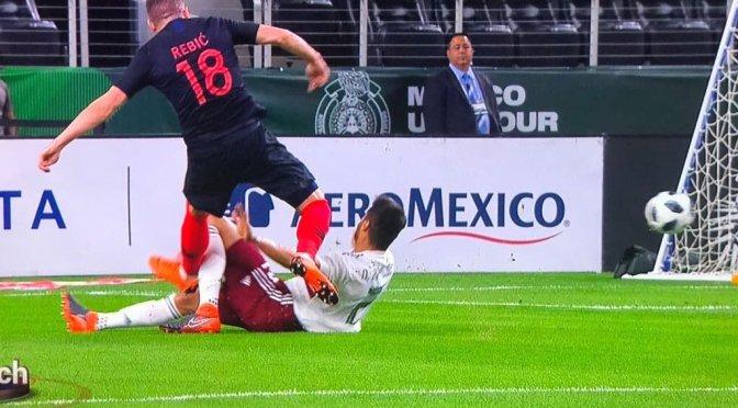 Néstor Araujo sufre fuerte lesión en encuentro contra Croacia