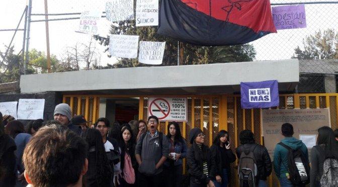 Cesan a profesor de Prepa 5 acusado de acoso