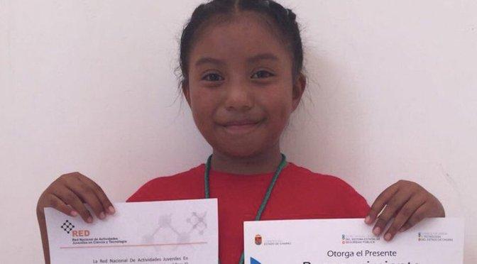 UNAM premia a niña de ocho años que construyó un calentador solar