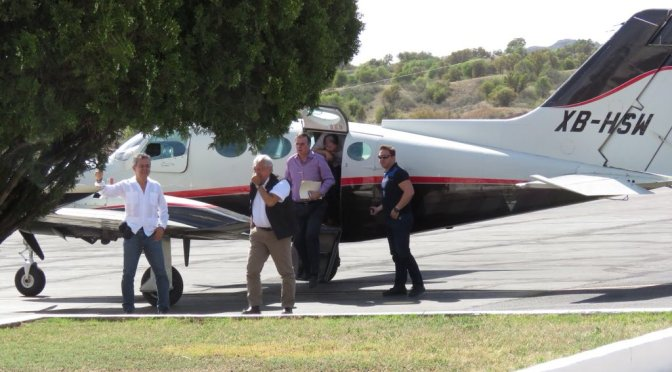 """Están muy nerviosos"", responde AMLO a críticas por uso de avioneta"