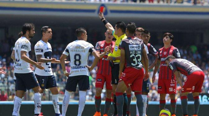 Procede inconformidad de Pumas por expulsión de Luis Quintana en Liga MX