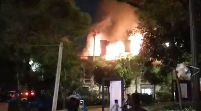 VIDEO: Arde Universidad de Londres en la colonia Roma