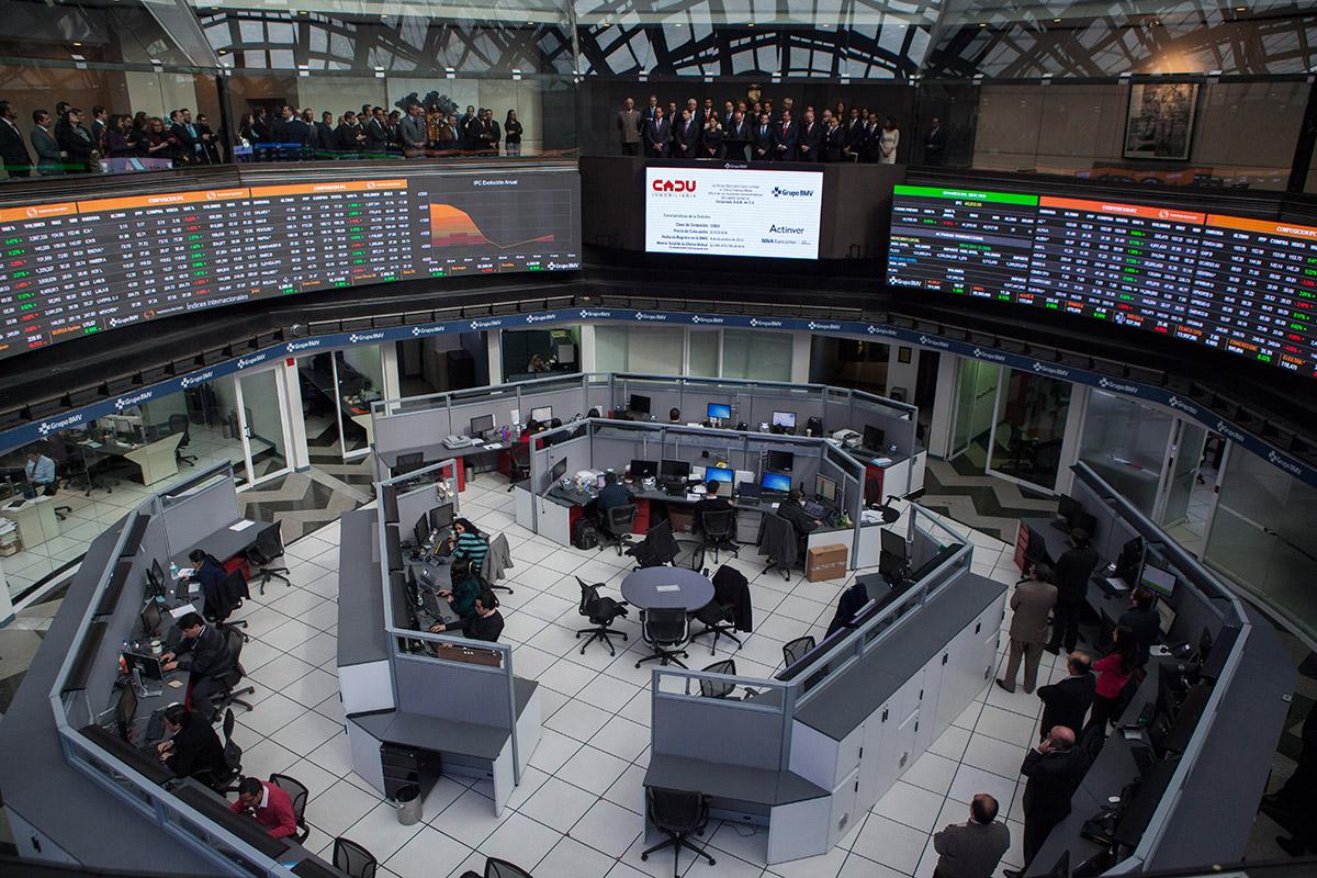 Bolsa Mexicana baja, por conflicto comercial entre China y EUA