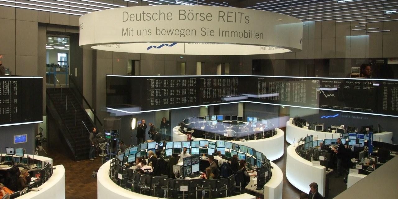 Bolsas europeas concluyen con caídas generales
