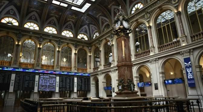 Bolsas europeas abren a la baja ante incertidumbre sobre el Brexit