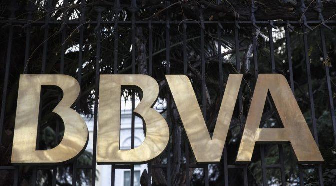 Citibanamex y BBVA, con comisiones más altas en tarjetas de crédito