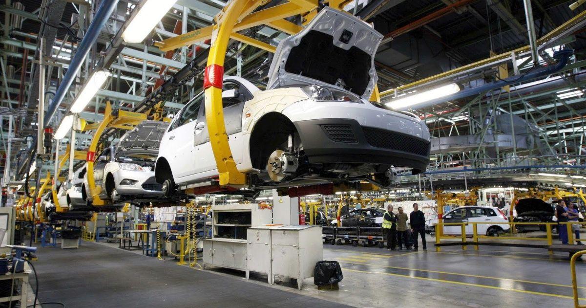 Producción de vehículos ligeros retrocedió 0.61 por ciento en 2018