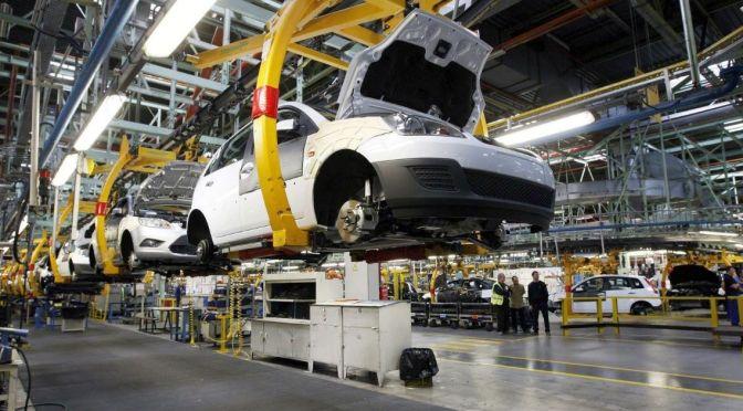 Aumenta producción y exportación de vehículos en abril