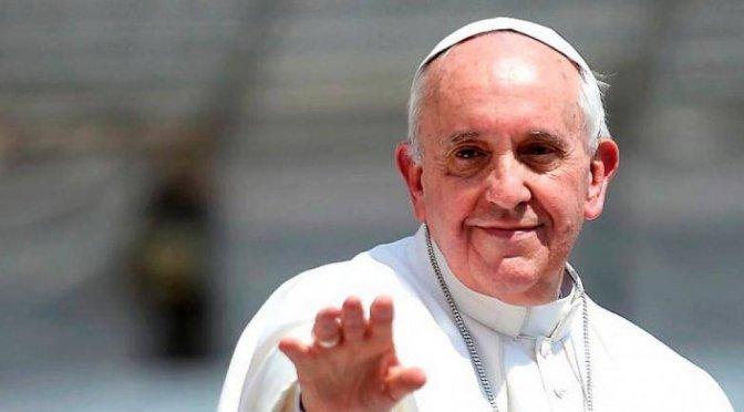 Papa Francisco dona al Teletón desde El Vaticano