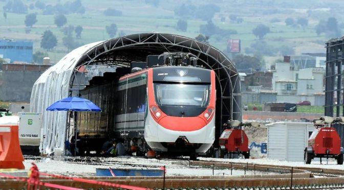 Garantiza López Obrador construcción y operación de Tren México-Toluca