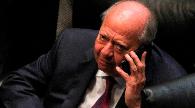 Niegan suspensión definitiva a Romero Deschamps contra bloqueo de cuentas