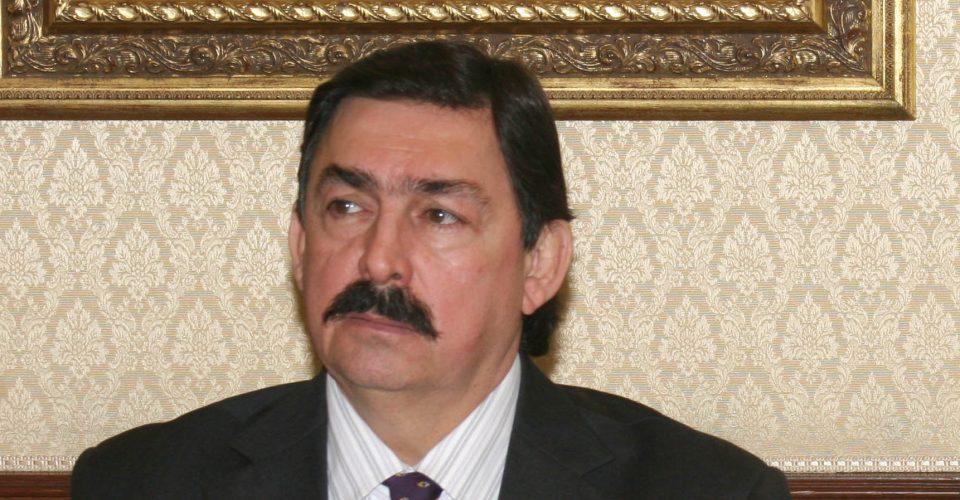 Jaque a Gómez Urrutia
