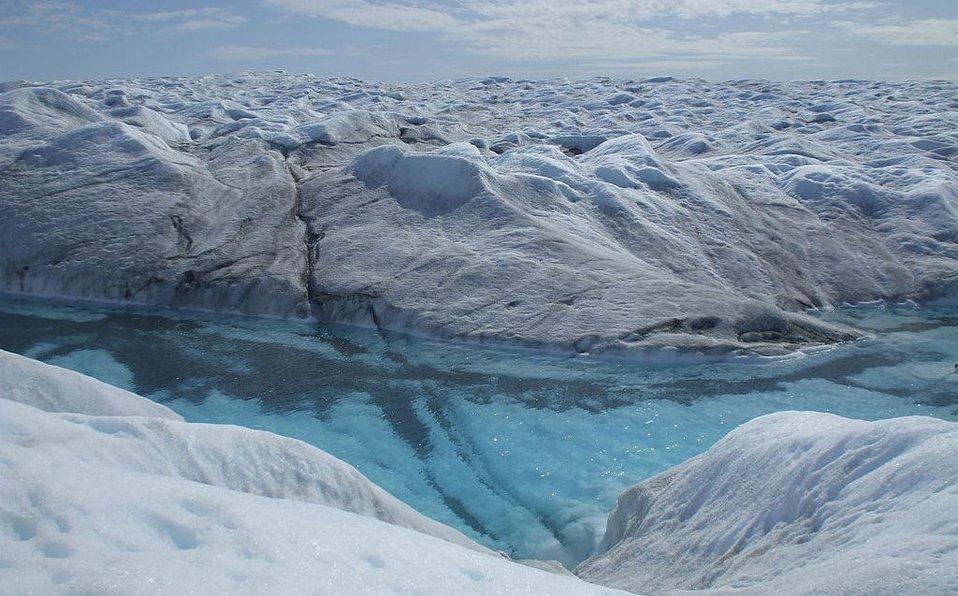 Hallan posible cráter por impacto de meteorito bajo hielo de Groenlandia
