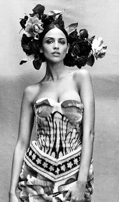 Eiza González representa a México en Vogue