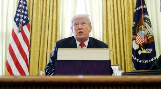 ¿Qué sigue en el proceso de juicio político a Donald Trump?