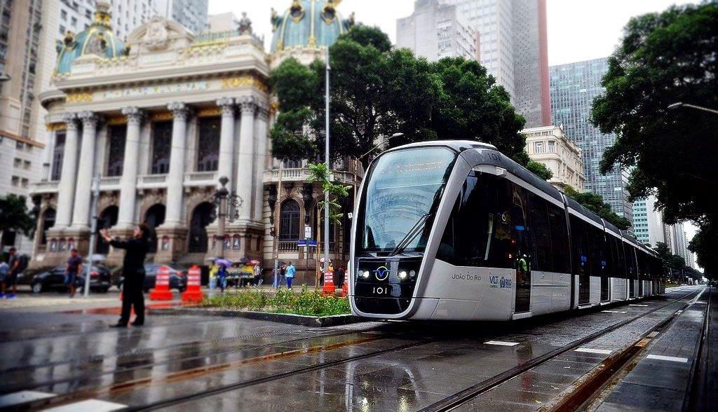 Tranvía moderno, opción para solucionar problema de movilidad: experta