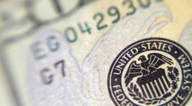 Peso concluye con pérdidas ante comentarios de Reserva Federal