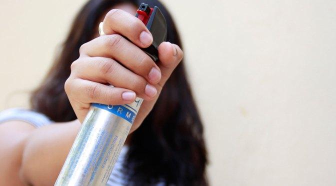 """Buscan que mujeres puedan usar """"taser"""" y gas pimienta"""