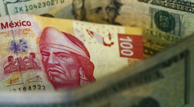 El peso cerró la sesión con una apreciación de 0.34% u 8.1 centavos, cotizando alrededor de 23.67 pesos por dólar
