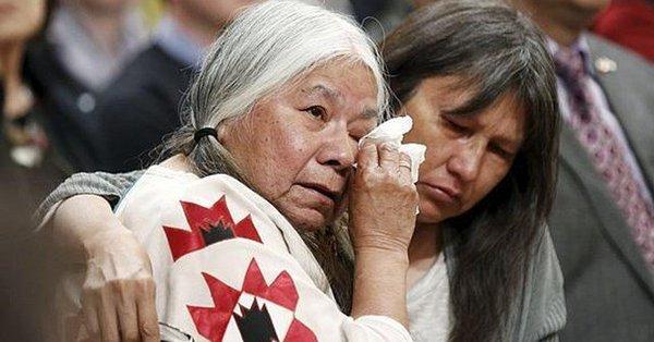 Canadá se disculpa por el genocidio en contra de mujeres indígenas… ¿Y México?